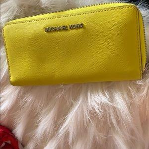Beautiful 🤩 MK wallet